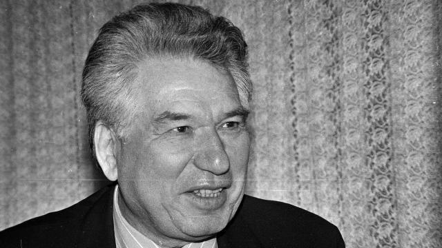 """Türk dünyasının """"Cengiz""""i Aytmatov"""