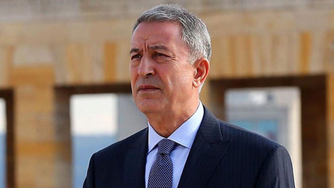 Milli Savunma Bakanı Hulusi Akar'dan Babalar Günü mesajı