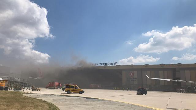 Atatürk Havalimanının hangarında oksijen tüpü patladı
