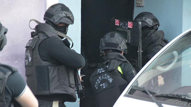 """""""Karagümrük çetesi"""" olarak bilinen suç örgütüne operasyon"""
