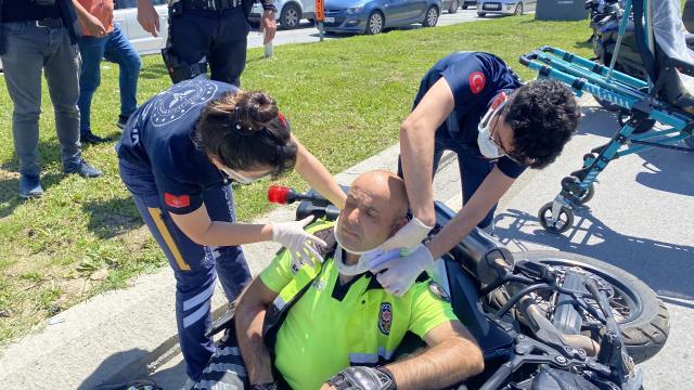Sakaryadaki trafik kazasında yunus polisi yaralandı