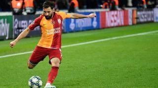 Şener Özbayraklı Galatasaray'dan ayrıldı