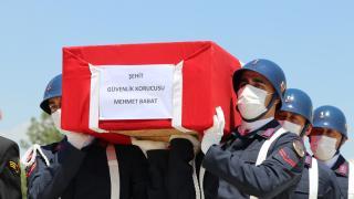 Siirt'te PKK'lı teröristlerin saldırısı sonucu şehit olan güvenlik korucusu için tören düzenlendi