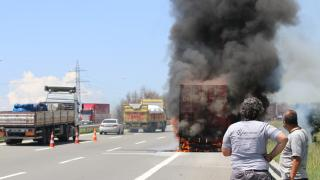 Anadolu Otoyolu'nda tır yangını ulaşımı aksattı