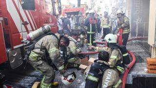 Fatih'teki bir otelin sauna kısmında çıkan yangın söndürüldü