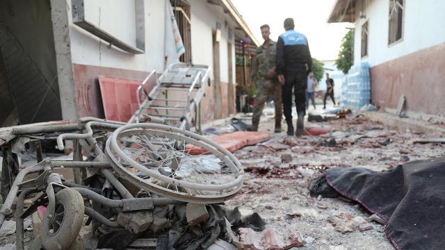 Terör örgütü PKK Afrinde hastaneye saldırdı: 13 ölü, 27 yaralı