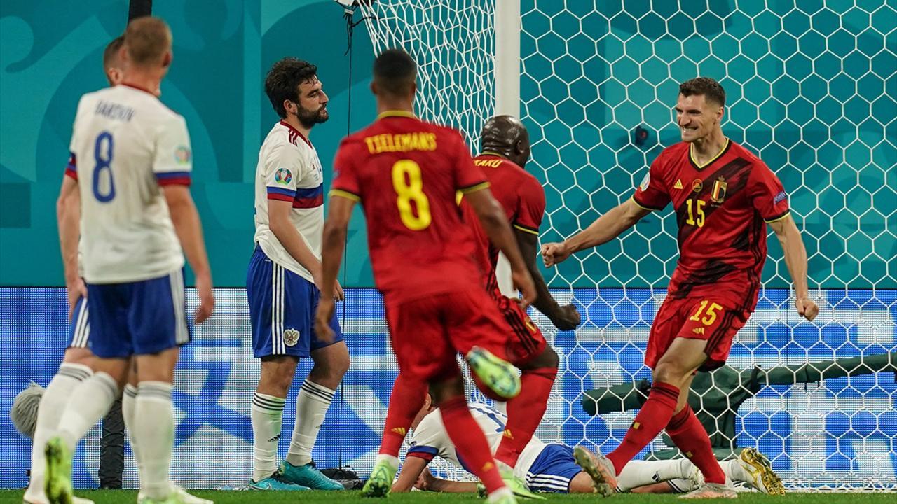 Belçika Rusya'yı 3 golle geçti
