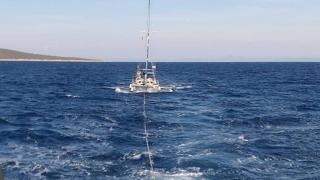 Denizde sürüklenen teknedeki 4 kişi kurtarıldı