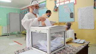 Cezayir'deki seçimde kayıtlı seçmenlerin yüzde 30'u oy kullandı