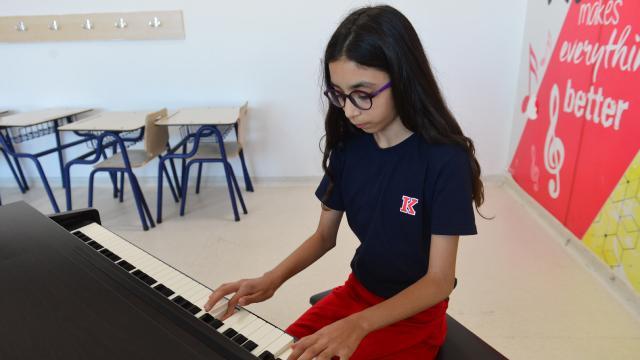10 yaşındaki piyanist Defne dünya birincisi oldu