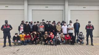 Antalya'da 73 düzensiz göçmen yakalandı