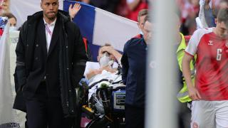 Eriksen maç sırasında fenalaştı