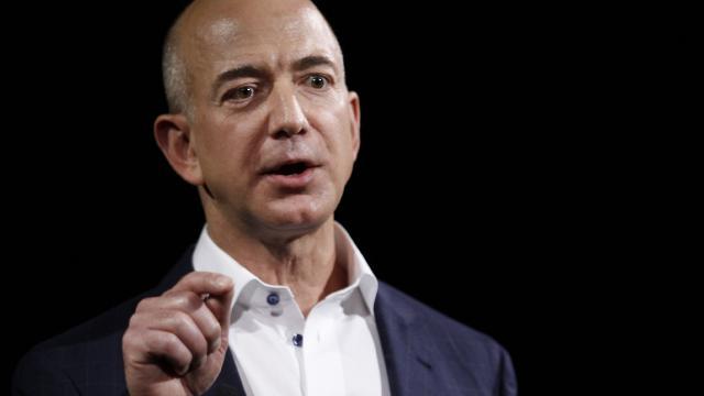 Bezos'un yanında uzaya gitmenin bedeli 28 milyon dolar
