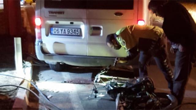 Konyada minibüs ile motosiklet çarpıştı: 2 yaralı