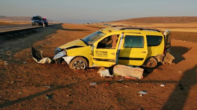 Otomobil şarampole devrildi: 1 ölü, 5 yaralı