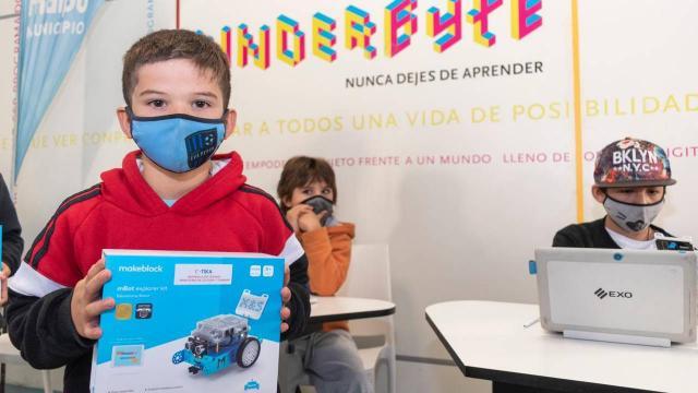 TİKA'dan Arjantinli çocuklara dijital okuryazarlık ekipman desteği