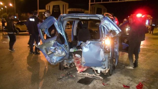 Erzurum'da iki araç çarpıştı: 10 yaralı