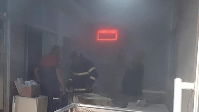 Çanakkalede büfe yangını: 2 yaralı