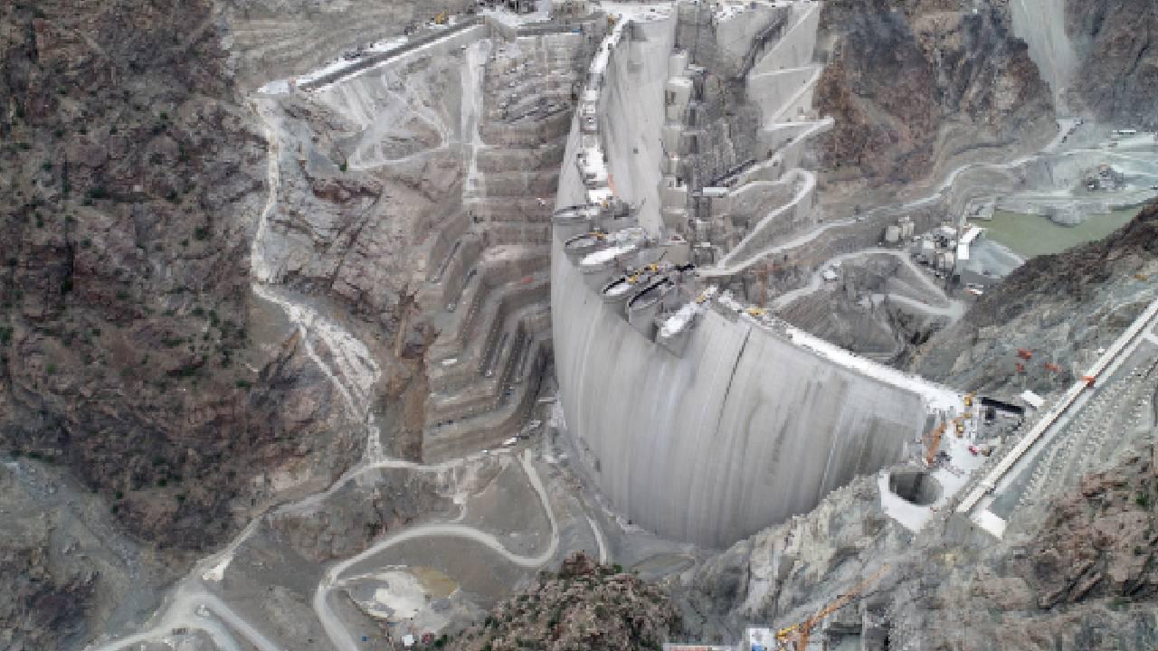 1 dakikada Yusufeli Barajı'nın 7 yıllık yapım süreci