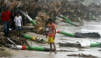 Irene Kasırgası ABD'ye Giderek Yaklaşıyor