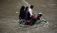 Pakistan'da Ölü Sayısı Artıyor