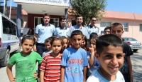 Polisten Çocuklara Bayramlık