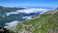 Bulutların Üzerinde Yaşamak