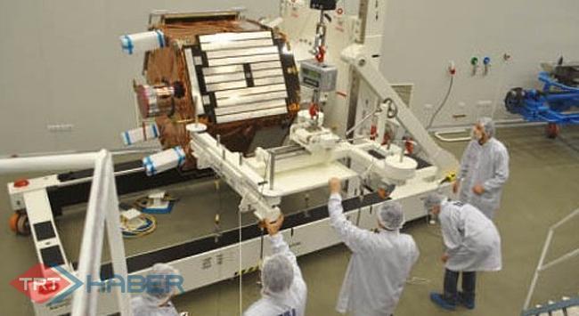 Yerli uyduyu yapacak ekip işbaşında