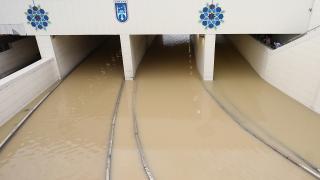 Ankara'da su borusu patladı, alt geçit su altında kaldı