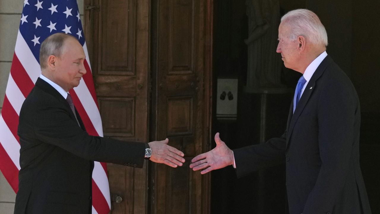 Biden ve Putin Cenevre'de bir araya geldi