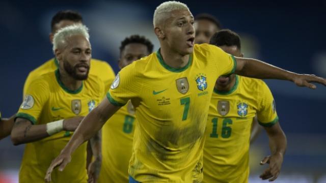 Brezilya Kupa Amerikada 2de 2 yaptı