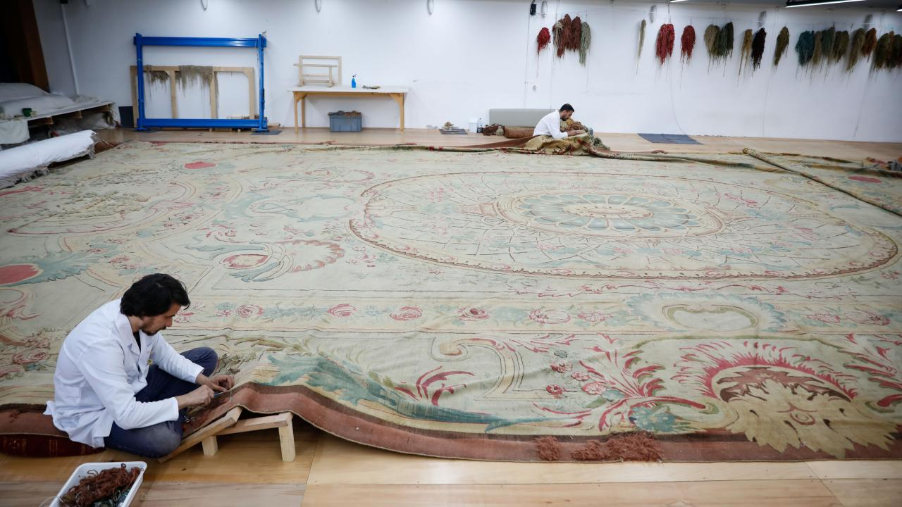 Dolmabahçe'nin 119 yıllık tarihi halısı restore ediliyor