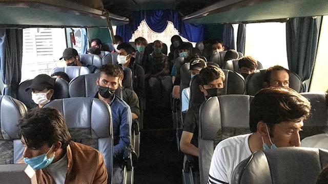Adanada 45 düzensiz göçmen yakalandı