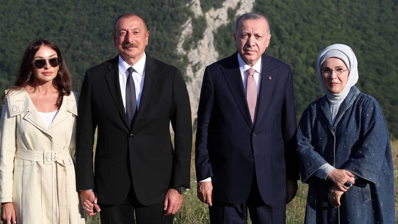 Erdoğan, Şuşa'daki tarihi yerleri gezdi