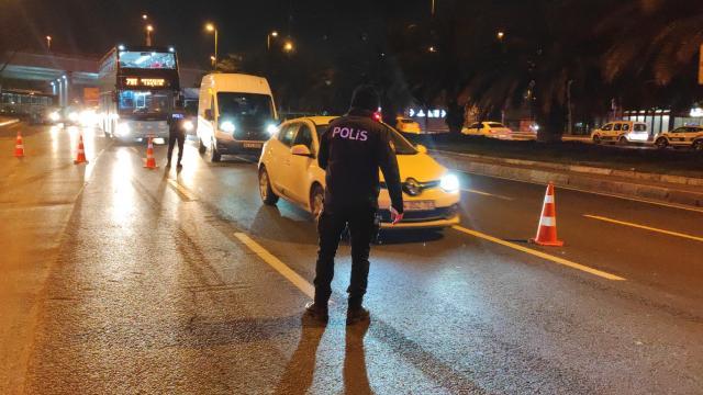 İstanbulda çeşitli suçlardan aranan 458 kişi yakalandı
