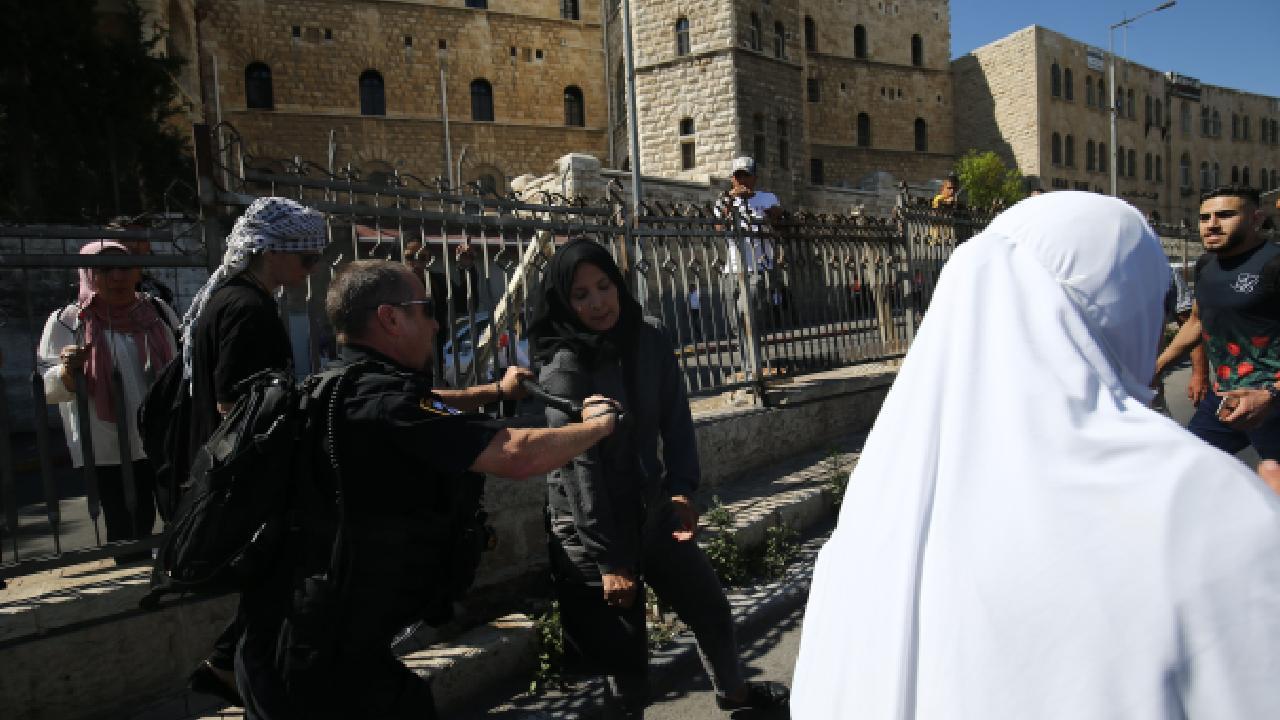 İsrail'den Filistinlilere müdahale: 33 yaralı