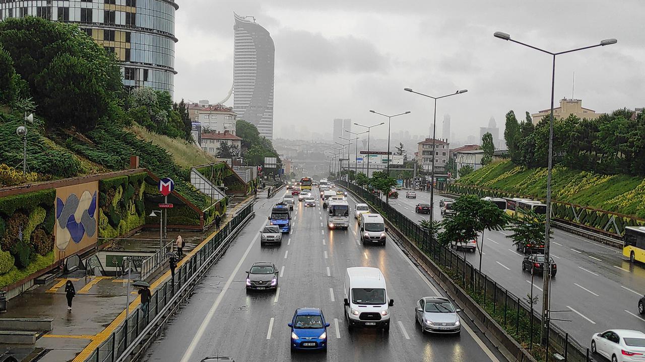 İstanbul'a sağanak uyarısı: Etkisini artıracak
