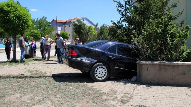 Sivasta iki otomobil çarpıştı: 1 yaralı