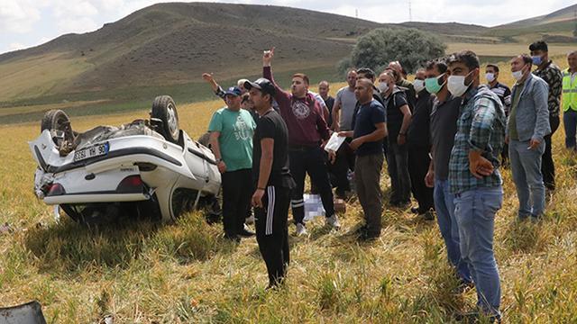 Yozgatta otomobil tarlaya devrildi: 1 ölü, 1 yaralı