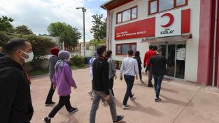 Türk Kızılay, 135 bin gönüllüsüyle ihtiyaç sahiplerinin yardımına koşuyor