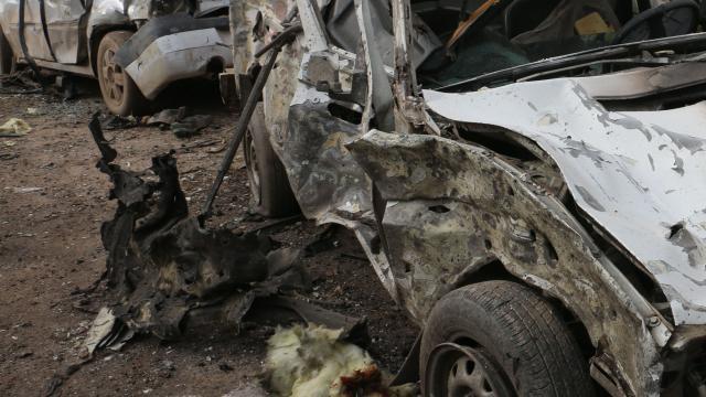 Kolombiyada bombalı araçla saldırı: 36 asker yaralandı