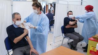 Yeni rekor: 1 milyon 582 bin doz aşı yapıldı