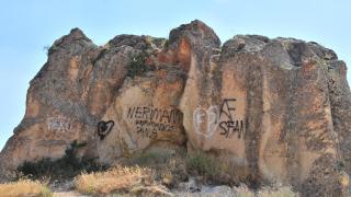 Peribacaları sprey boyalarla tahrip edildi