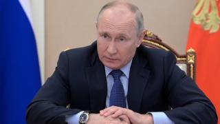 Putin Afganistan'ın finans varlıklarının dondurulmaması gerektiğini düşünüyor
