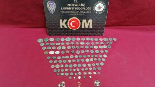 İzmir'de 131 parça tarihi eser ele geçirildi