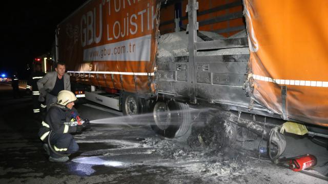 Anadolu Otoyolunun Bolu kesiminde 2 tırda yangın