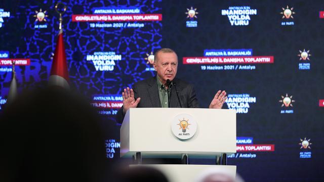 Cumhurbaşkanı Erdoğan: İzmirdeki provokatif saldırıyı en şiddetli şekilde kınıyoruz