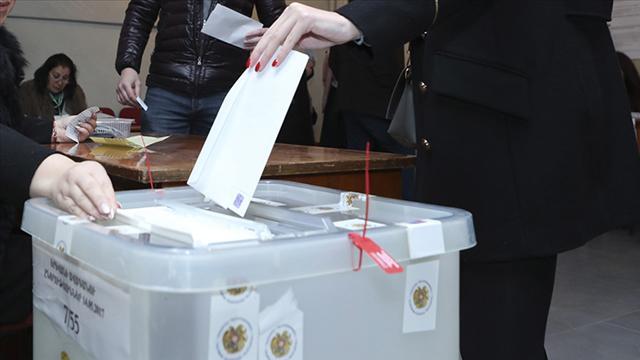 Ermenistanda oy verme işlemi sona verdi