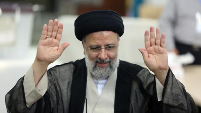 İranda İbrahim Reisi ülkenin 8. Cumhurbaşkanı oldu