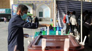 İran'da cumhurbaşkanlığı seçimlerinde oy verme işlemi sona erdi